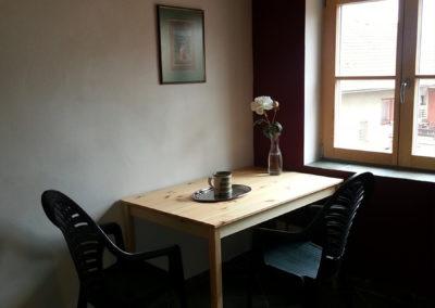Patro - jídelní a psací stůl
